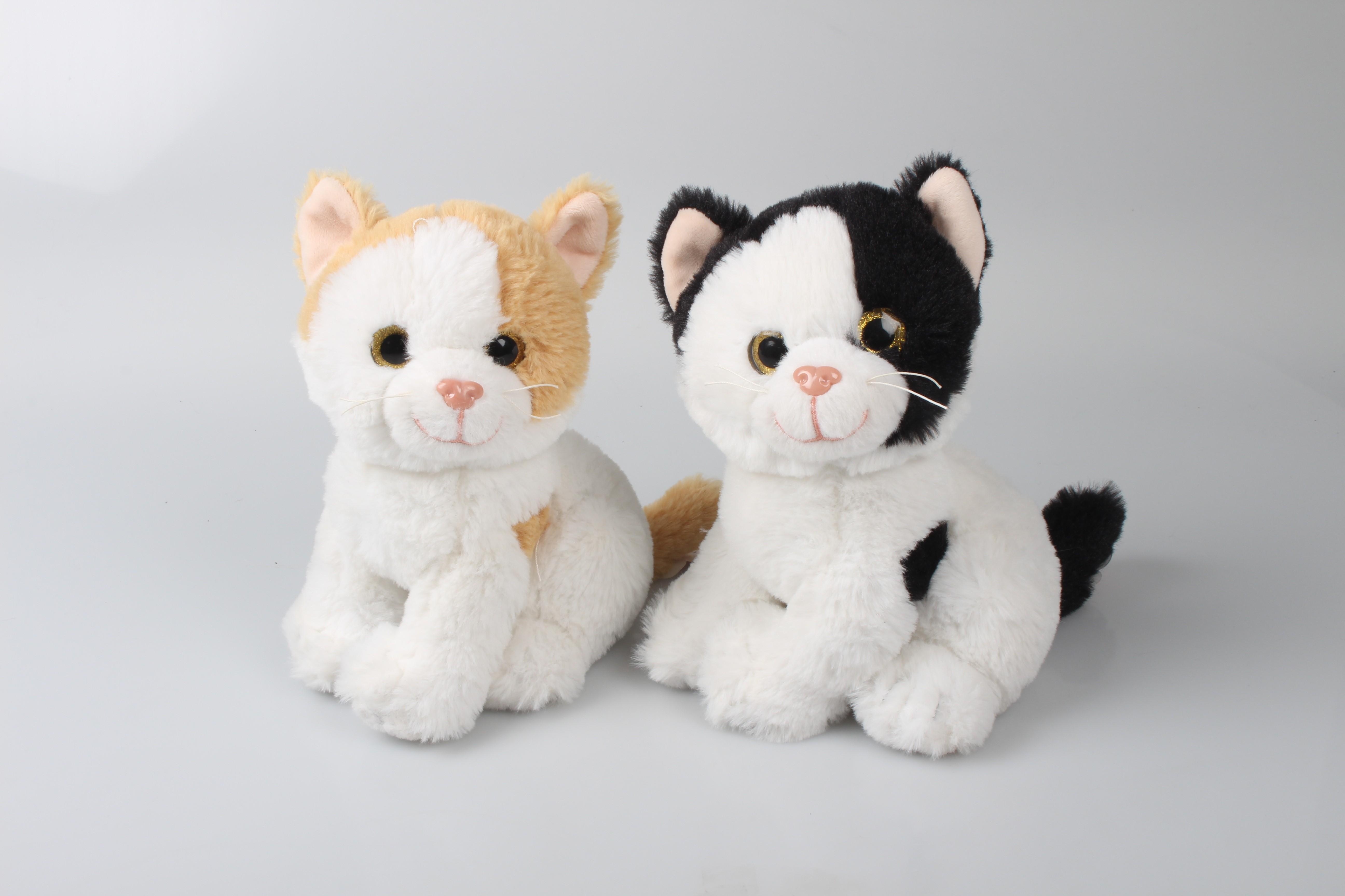 Kass istuv sädelevate silmadega, 22cm